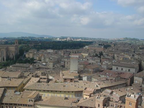 マンジャの塔から見たシエナの街並!