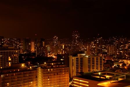 ホテルから街の夜景
